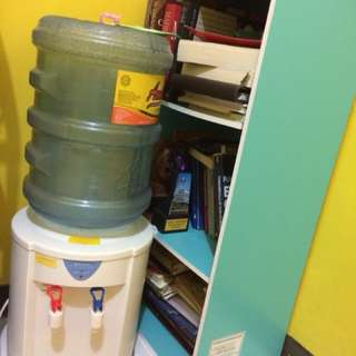 Dispenser & Rak Buku
