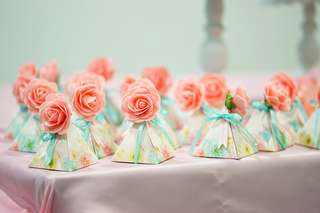 Ready stocks! Dessert Table Wedding Decoration Birthday Candy Box