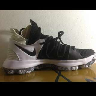 Nike Zoom KD10 BRAND NEW Size 7.5US
