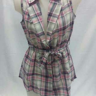 CHEQUER SLEEVELESS COLLAR  With waisted belt