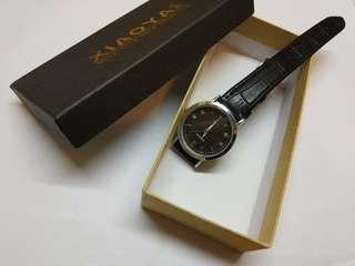 手錶,黑皮。