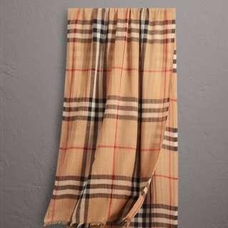 Burberry wool&silk scarf