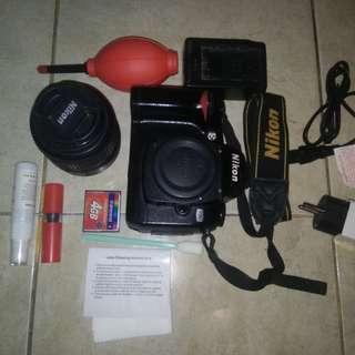 Nikon D70 DSLR