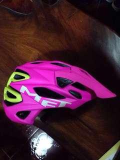 MET Parabellum Helmet Pink + Neon