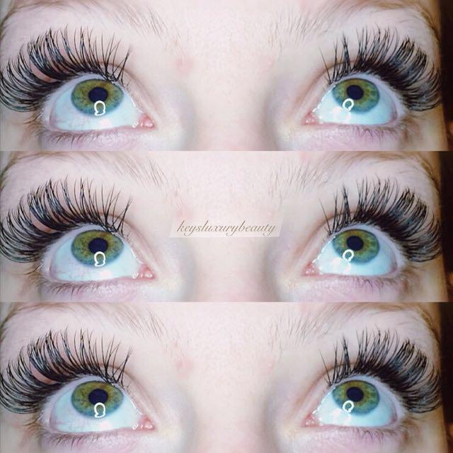 $✨$60 eyelash extensions! Unlimited lash count!✨