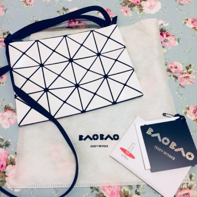 全新正品 BAO BAO 4x3格白色側背包