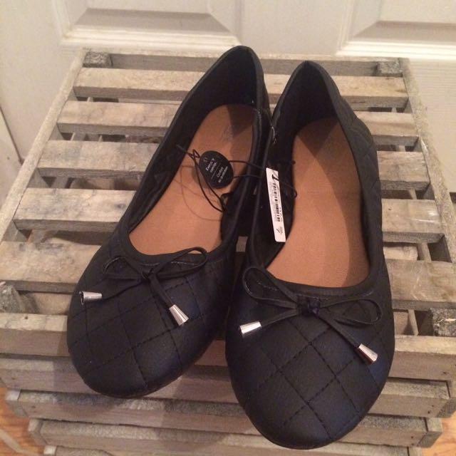 Brand New Black Flats Size 7