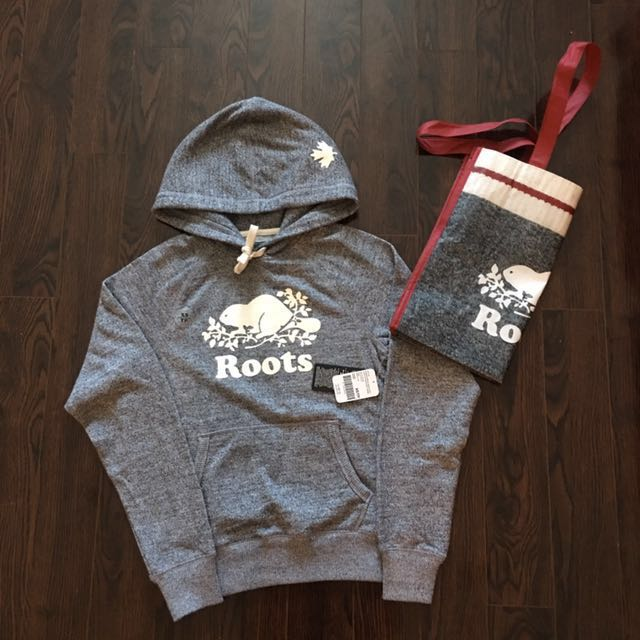 BRAND NEW ROOTS SWEATER