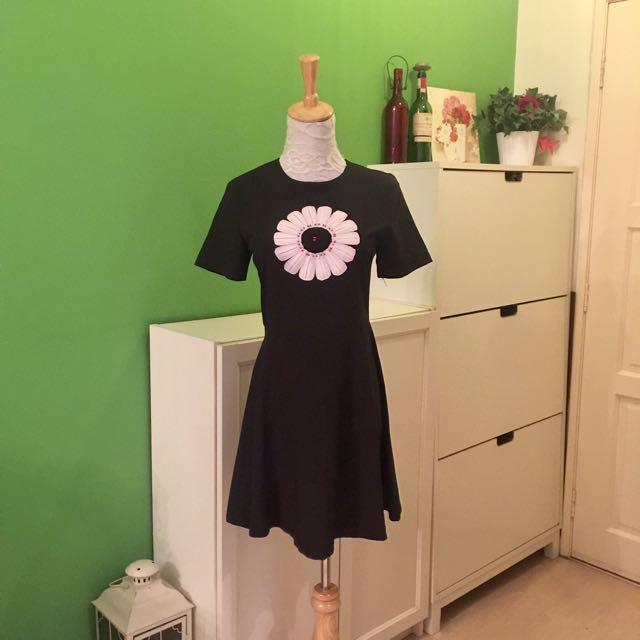 Daisy Little Black Dress
