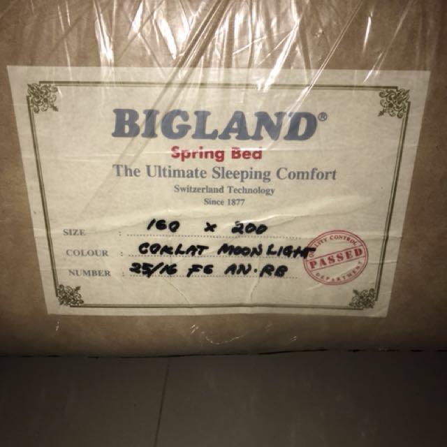 Difan bawah kasur ( tidak ada atasnya) bigland