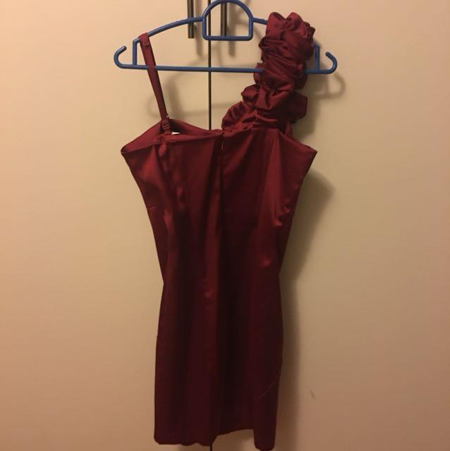 Forever New Burgundy semi-formal dress size 6-8