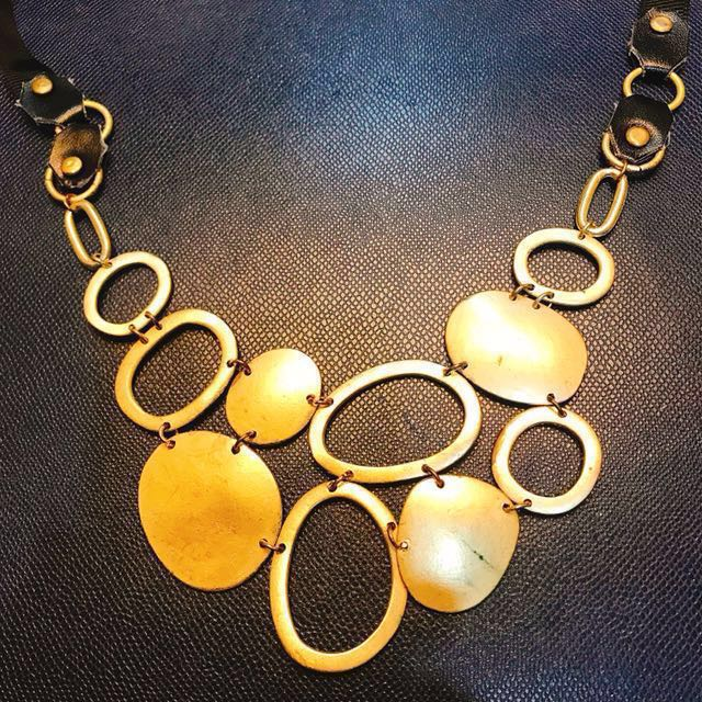 Gold and Black Fashion Necklace