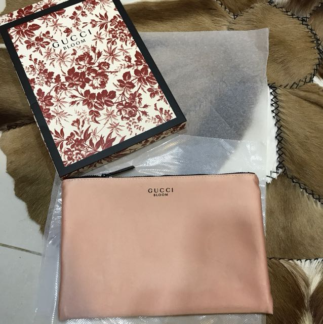 679a91ea637 Gucci Bloom make up pouch