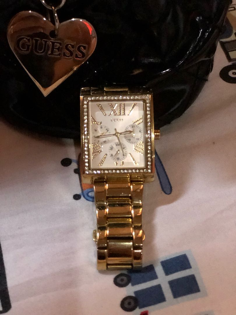Guess watch original counter