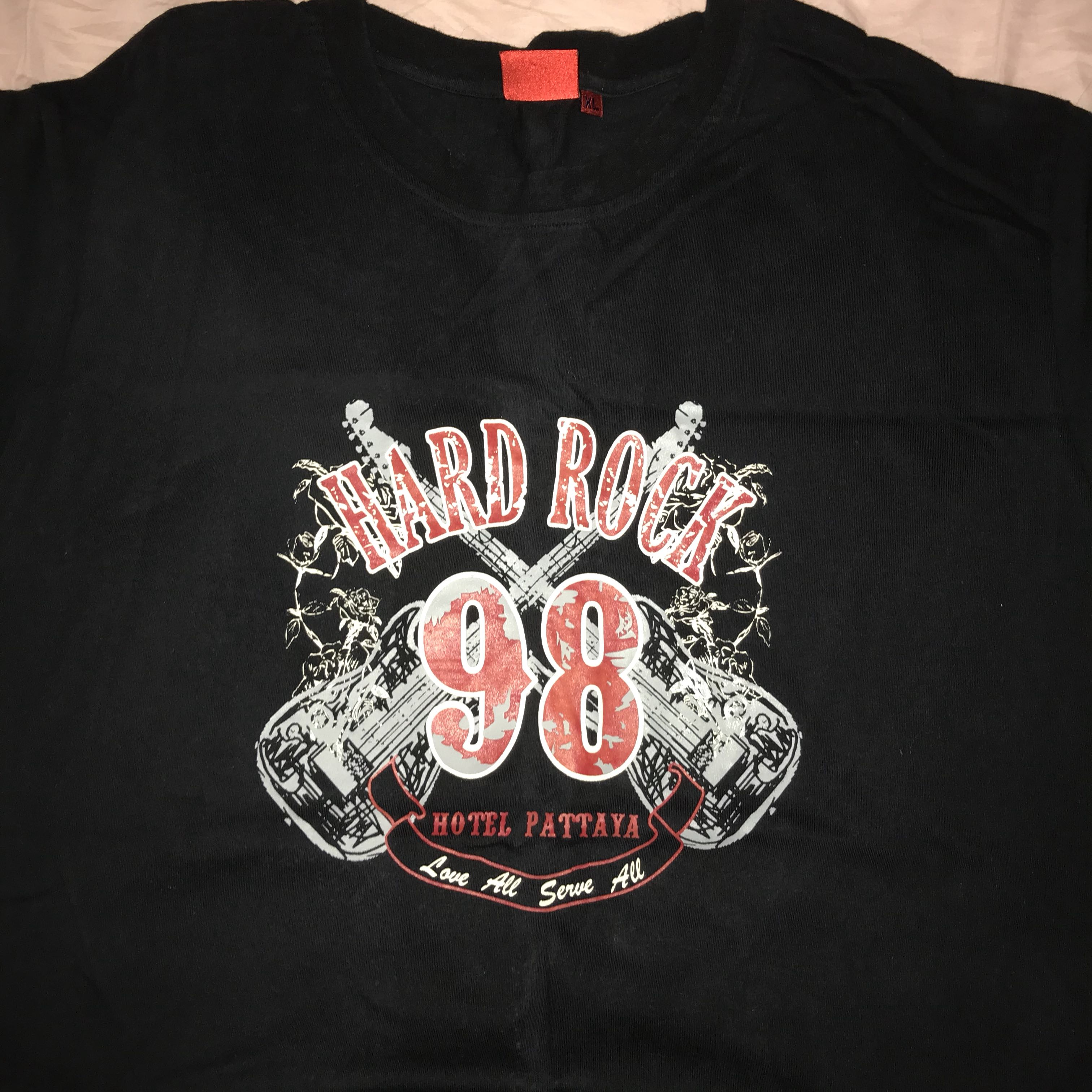 Hard rock authentic t-shirt