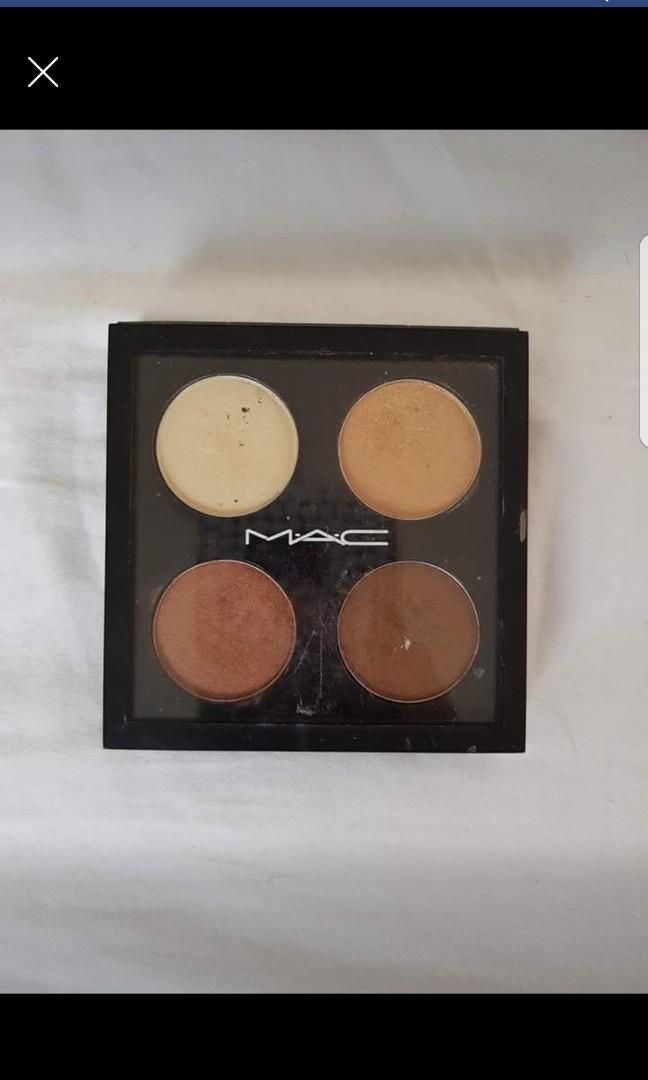 MAC eyeshadow palette in colour 4