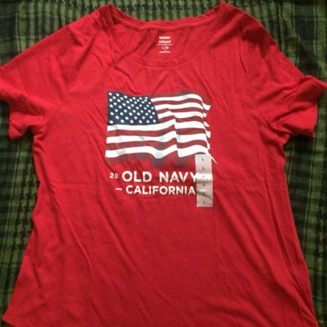 Old navy tee