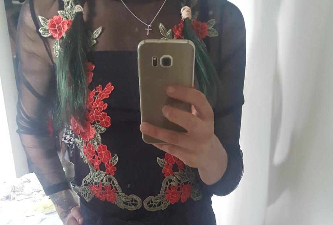 Rose and mesh top