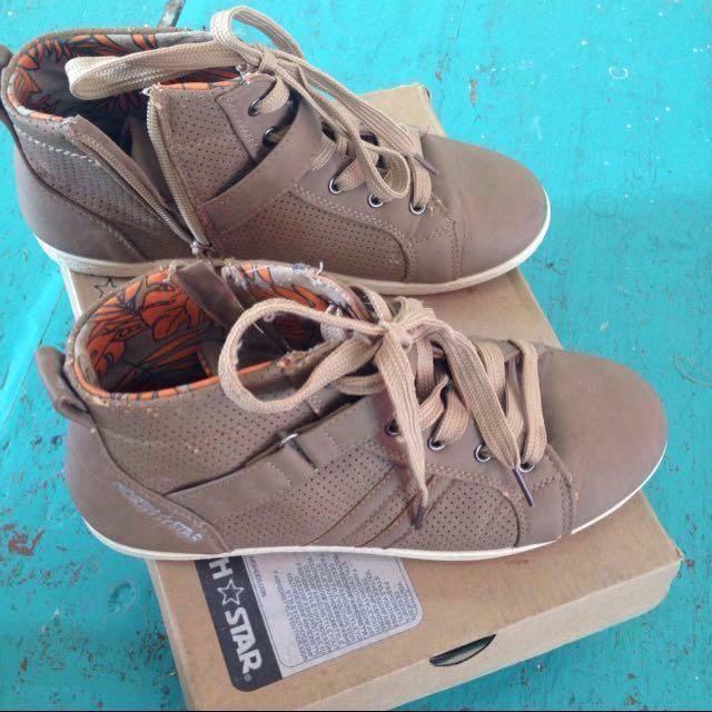 (SALE) sepatu North Star