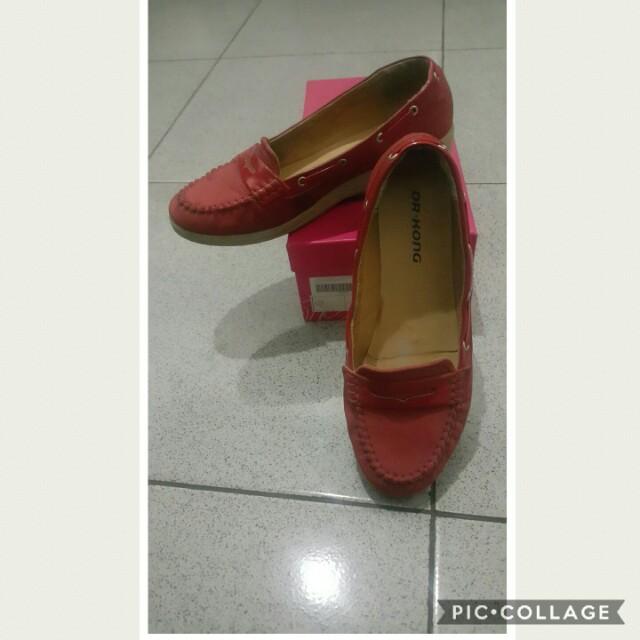 Sepatu dr kong