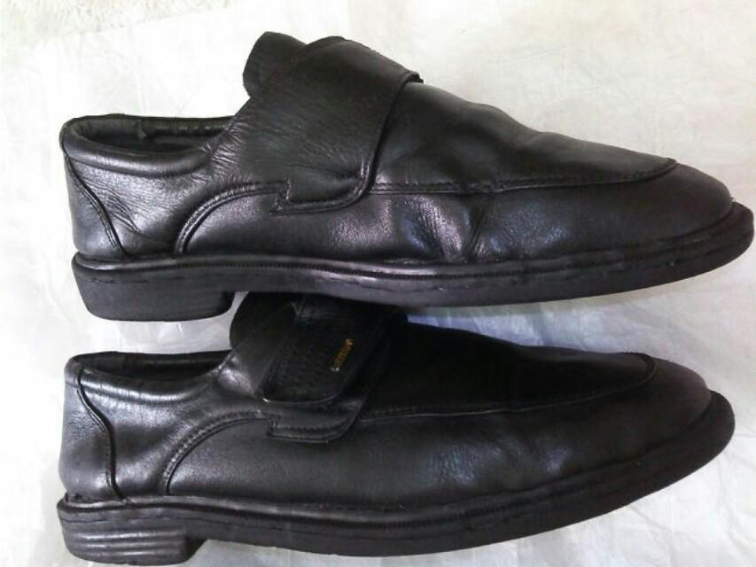 Sepatu pantopel kulit vintage