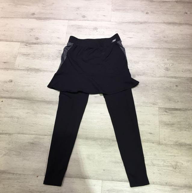 Skechers黑色超級彈性裙擺長褲,腰圍平量26吋,原價2680很新只穿過一次
