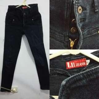 Code : Celana Highwaist Jeans size S 27-28