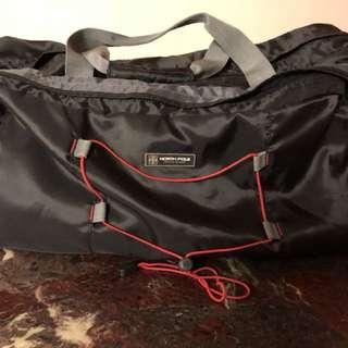 大型旅行袋 (只用過兩次)
