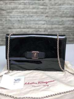 Preloved auth salvatore ferragamo ginny patent black