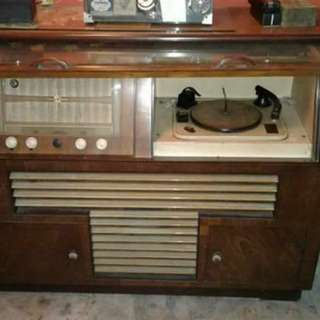 Radiogram garrad..  antique