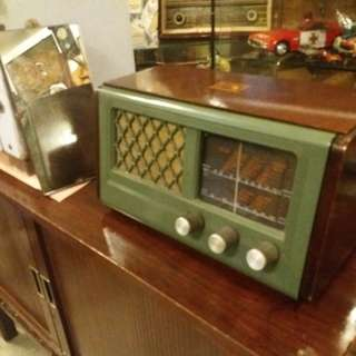 Hmv england radio.. antique