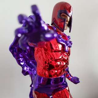 Chromed Sideshow Magneto Comiquette statue