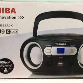Toshiba Portable CD/USB Radio