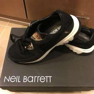 Neil Barrett 黑馬毛sneaker 39號
