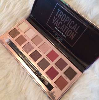Authentic Focallure Holiday Edition Eyeshadow Palette