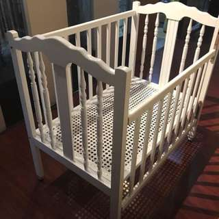 White Wood Baby Crib Playpen
