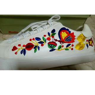Bata Floral Embroidered White Sneakers Size 8