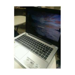 B12 ASUS LAPTOP  INTEL CORE I5