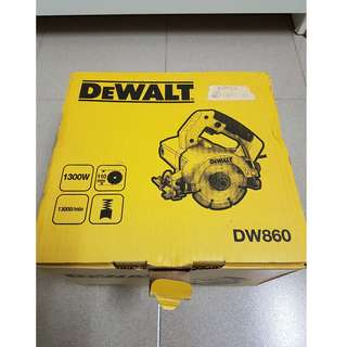 Mint Condition - DeWalt DW860 110mm Tile/Concrete/Stone Cutter + Makita Diamond Wheel (*will trade*)