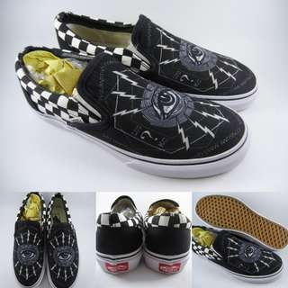 Sepatu Kets Vans Slip On Consume Mass Quantities Canvas Black Grey Hitam