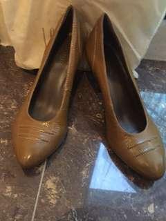 Joy & Peace high heels