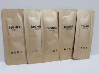 HERA Signia Cream sample