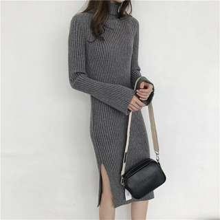 PO / Turtle Neck Knit Side Slit Dress