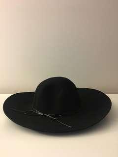 Floppy Hat -Black