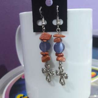Gemstone chips and cat's eye stone earrings