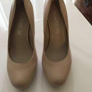 Aldo nude patent leather shoes - CA/US 6