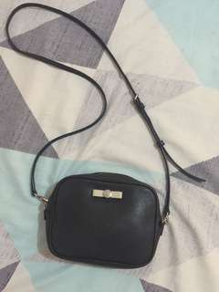 Authentic Preloved Marc Jacobs Small sling bag