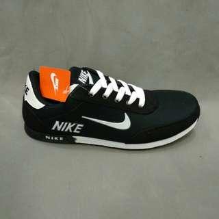 Sepatu nike KW