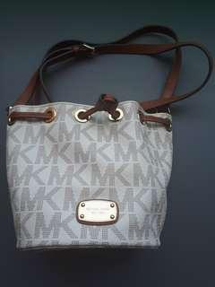Michael Kors Bucket Crossbody Bag