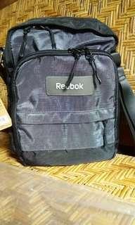 Sling bag reebok original 100%